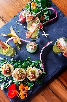 Wedding Food Tasting l ashleyspaige.com